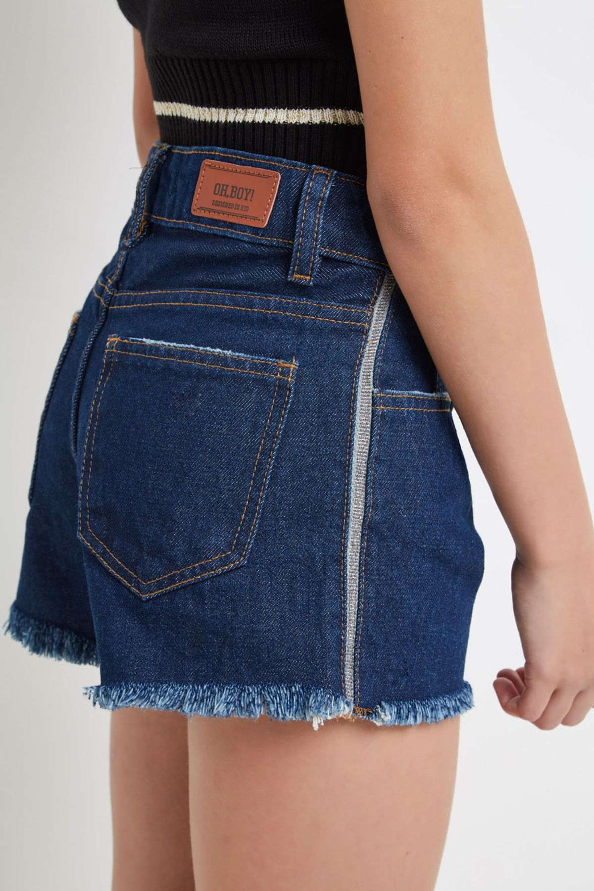 SHORT-JEANS-FRIDA-DETALHE-LATERAL-040108750057-OH-BOY