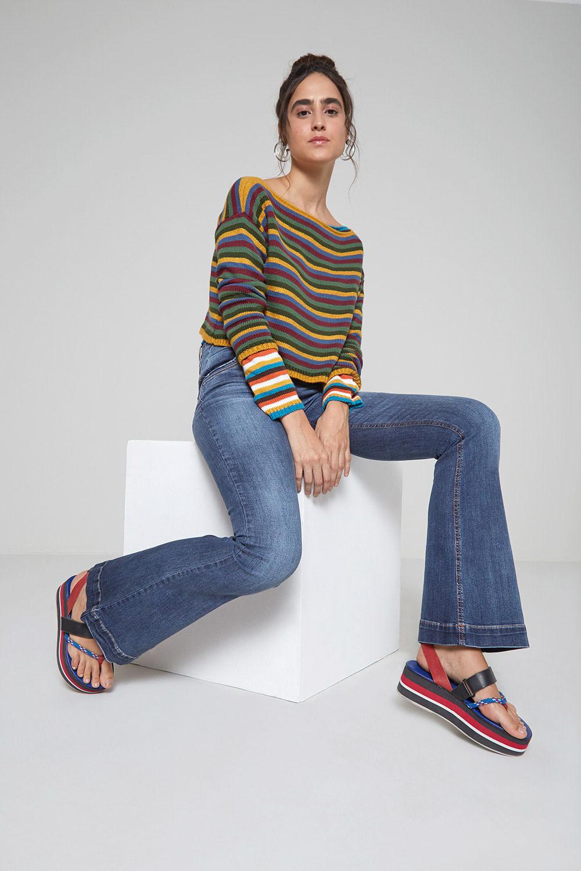 Calça Jeans Detalhe Bolso